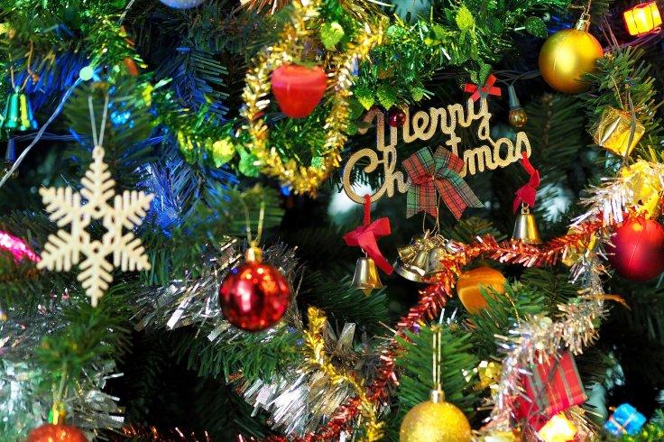 the-christmas-tree-1081320_1920